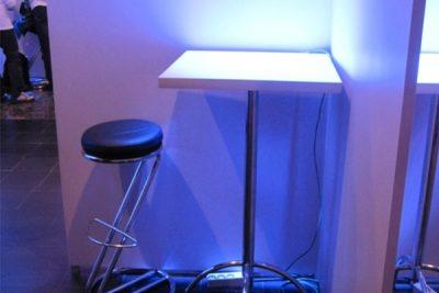 Аренда (прокат) барный стол с квадратной столешницей по 150 грн/сутки