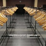 Прокат гардеробных стоек с вешалками и номерками в Киеве
