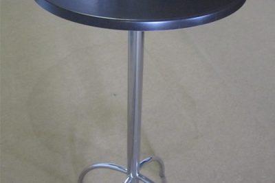 Аренда ( прокат ) барных столов с коричневой верзалитовой столешницей по 150 грн/сутки
