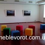 аренда банкеток разноцветных