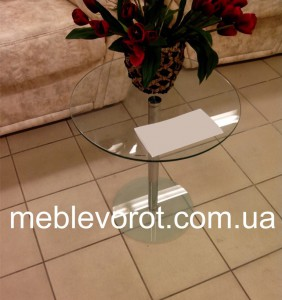 Аренда стеклянного кофейного столика_прокат мебели в Киеве