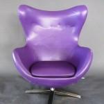 Аренда кресла фиолетового цвета Egg в Киеве