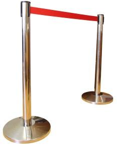 Аренда столбиков оградительных с красной лентой_прокат столбика с выдвижной лентой