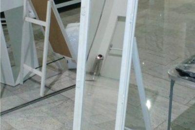 """Аренда (прокат) зеркала напольного в белой раме """"под старину"""" узкого по 250 грн/сутки"""