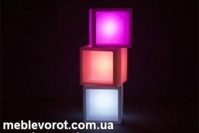 """Аренда (прокат) светящихся пластиковых Слайд LED-кубов с нишами для барных """"горок"""" и стенок по 250 грн/сутки"""