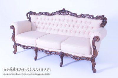 """Аренда (прокат)  дивана """"Барокко"""" с бежевой оббивкой на 3-и посадочных места по 1500 грн/сутки"""