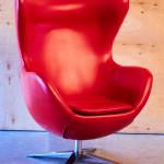 Аренда кресле егг красного цвета в Киеве